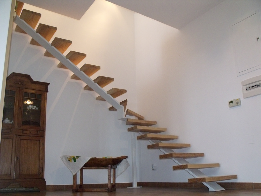 Scala in legno ed acciaio per interni solai ultra leggeri - Scale per appartamenti ...