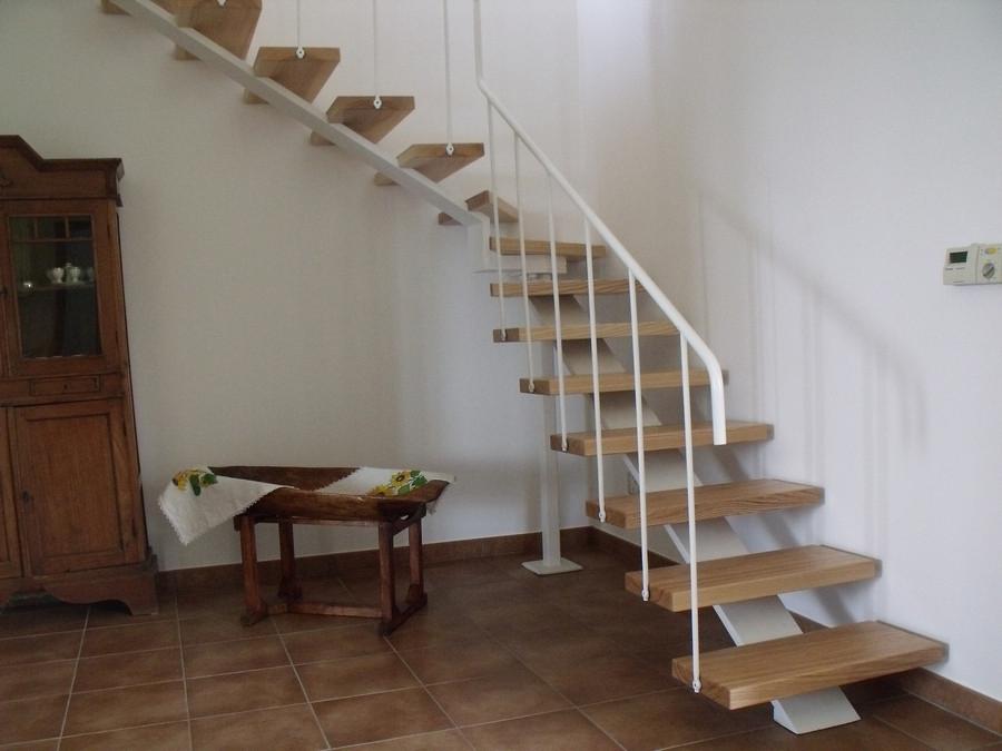 Scala in legno ed acciaio per interni solai ultra leggeri - Scale in legno per interno ...