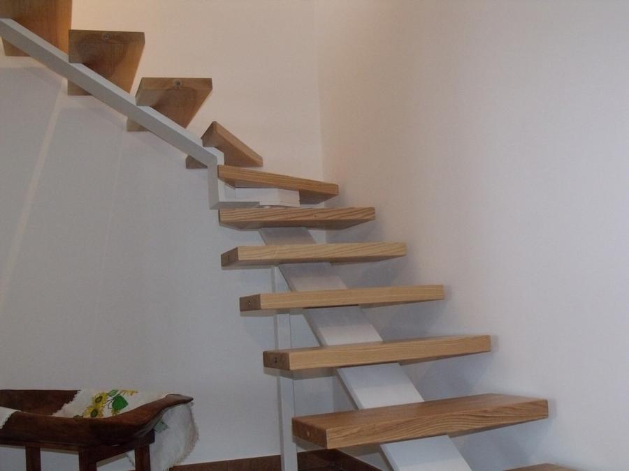 Scala di legno per interni scale a chiocciola in legno - Scale in legno per interno ...