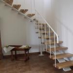 Scala in legno ed acciaio per interni 03