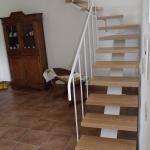 Scala in legno ed acciaio per interni 04