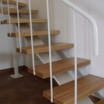 Scala in legno ed acciaio per interni 07