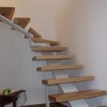 Scala in legno ed acciaio per interni 09