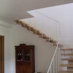 Scala in legno ed acciaio per interni 13