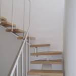 Scala in legno ed acciaio per interni 15