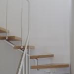 Scala in legno ed acciaio per interni 16