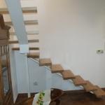 Scala in legno ed acciaio per interni 23