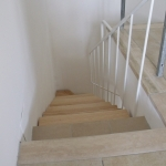 Scala in legno ed acciaio per interni 34