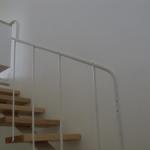 Scala in legno ed acciaio per interni 36
